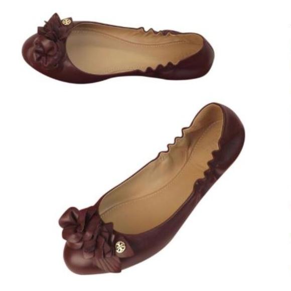 e82b23c8ed8 Tory Burch Port Blossom Wine Ballet Flats. M 5b306671951996799c1851c5